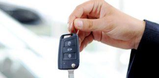 Нужно ли отдавать свидетельство о регистрации при продаже автомобиля